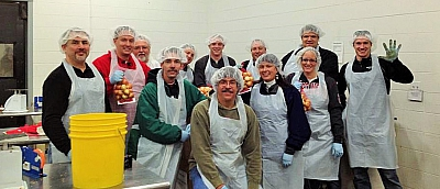 PJ Volunteers with Second Harvest Foodbank